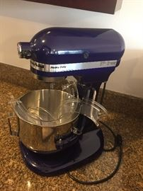 KitchenAid mixer like new
