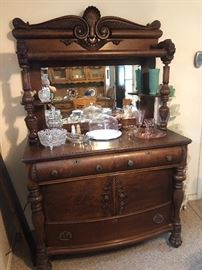 Gorgeous Antique tiger oak sideboard/server, Circa late 1800's