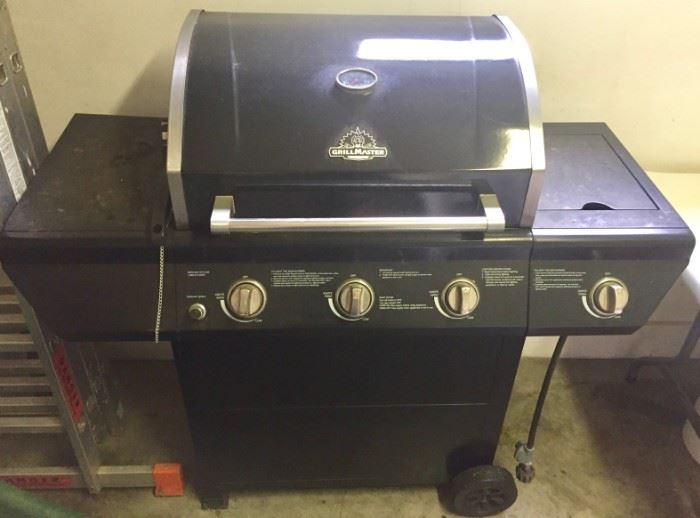BBQ Grill by Grill Master