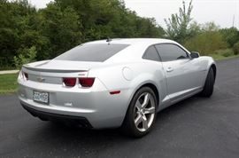 2010 Chevrolet Camaro 2SS Coupe, RS Pkg, 22,698 Miles, V8 w/SFI 6.2L, 6 Speed Auto/TAPshift, Remote Start, VIN# 2G1FK1EJ2A9128770