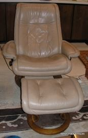 Ekorne Stressless Chair and Ottoman