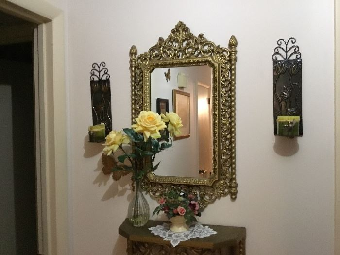Small table, mirror and sconce (2) grouping
