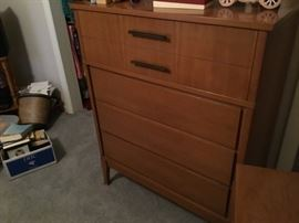 Mid century modern chest - matches dresser and night stand