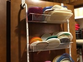 These are lids tomTupperware/Rubbermaid - we are matching them up for you!