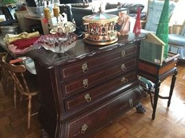 Great Bombay style chest, Carousel, glass bowl