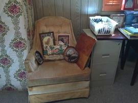 Bedroom 2 - nice vintage chair