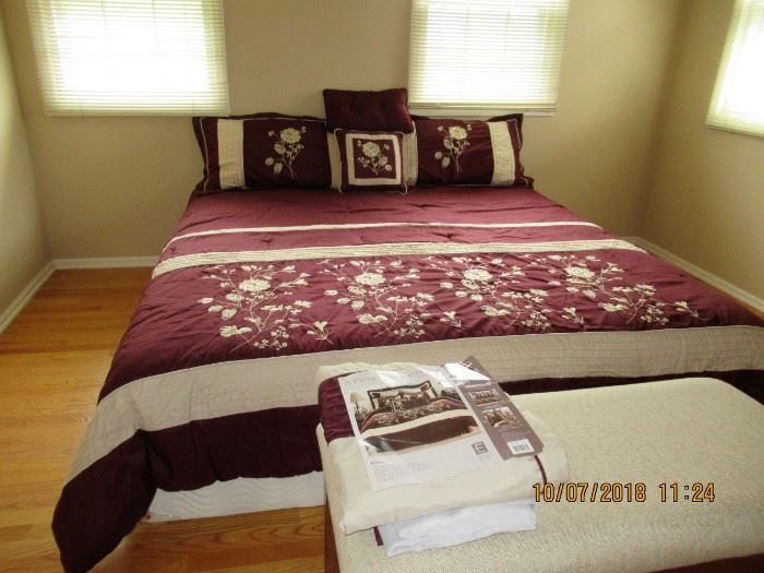 KING SIZED BED LINENS, WITH MATTRESS SET