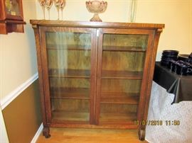 Tiger Oak Display Cabinet with original glass,  Stunning