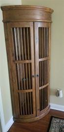 Curved corner cabinet