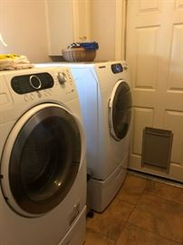 LG washer and dryer with pedestal bases, work great!