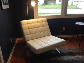 Very nice white leather chair