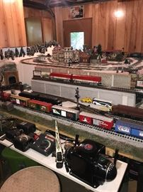 HUGE LIONEL COLLECTION