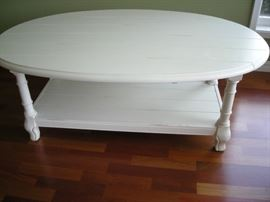 wooden coffeetable, sides fold down