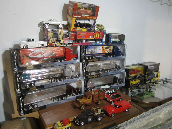 Private Collector's Sale Cars, Diecast Cars    starts on 6