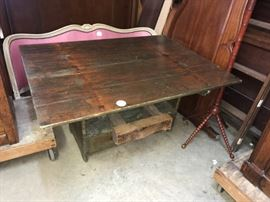 Rare Hutch Table Seat 1790's
