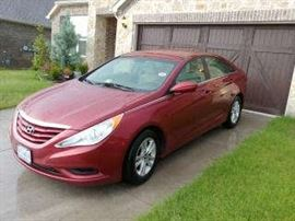 2012 Hyundai Sonata with less than 75000 miles...loaded...great condition..only $8250.!!