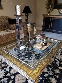 Amazing Coffee table, Rug, Home Décor!  Pet free/Smoke free home!
