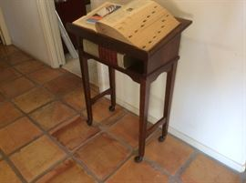 Dictionary table with dictionaries