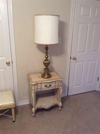 Lamp table w/ brass lamp