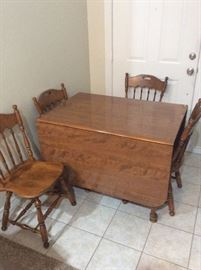Folding dining table w/4 chairs