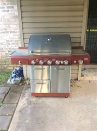 Kenmore Stainless Steel LP gas grill (never used)