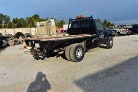 1991 GMC 1 Ton Flatbed 4WD..