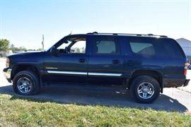 2004 GMC Yukon XL 2500 4X4.....