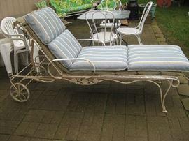 Woodard chaise lounge