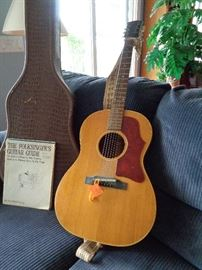 "B-25 Gibson guitar from the 60's & 70""s w/case"