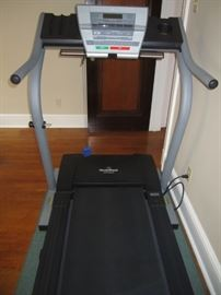 VERY NICE TREADMILL