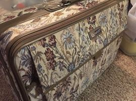 Large tapestry luggage piece