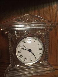 Glass quartz clock