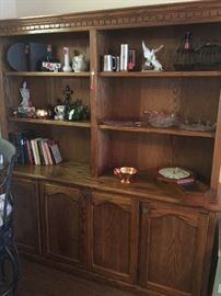 Wall cabinet with bookshelves