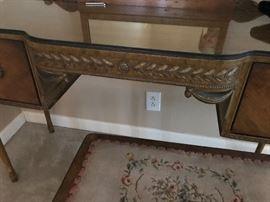 Detail of desk/vanity!!