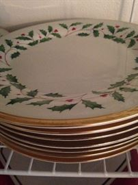 "Lenox ""Holiday"" fine bone china - dinner plates"