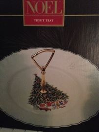 Noel Tidbit tray