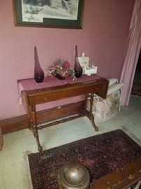 Sweet little drop side table w/drawer