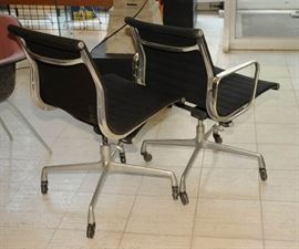 EAMES ALUMINUM GROUP SEATING