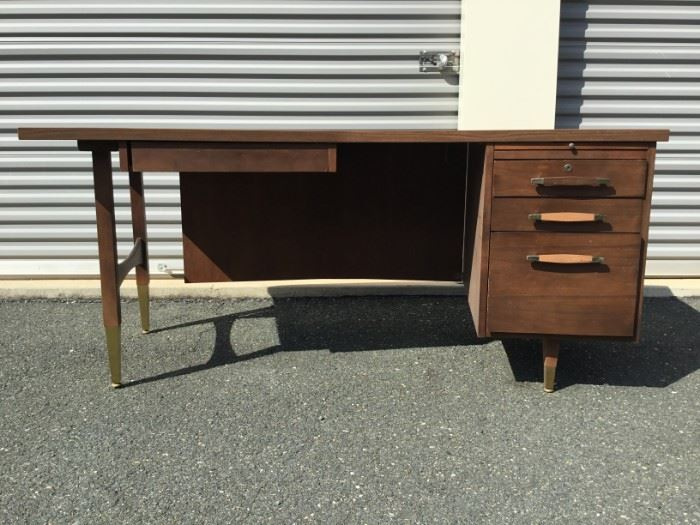 Vintage 1950's Office Desk https://ctbids.com/#!/description/share/53355