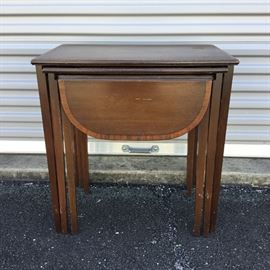 Wooden Nesting Tables https://ctbids.com/#!/description/share/53168