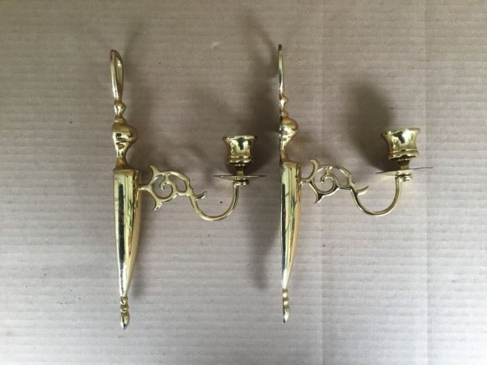 Two Brass Sconces https://ctbids.com/#!/description/share/53045