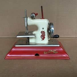 Sew-O-Matic Miniature Sewing Machine https://ctbids.com/#!/description/share/53050
