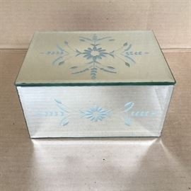 Mirrored Glass Jewelry Box Mirrored Glass Jewelry Box  https://ctbids.com/#!/description/share/53043
