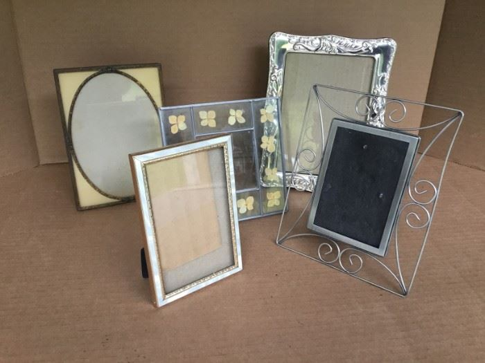 Metal Frames https://ctbids.com/#!/description/share/53055