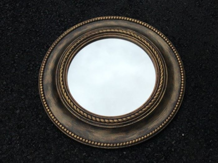 Round Wall Mirror https://ctbids.com/#!/description/share/53063