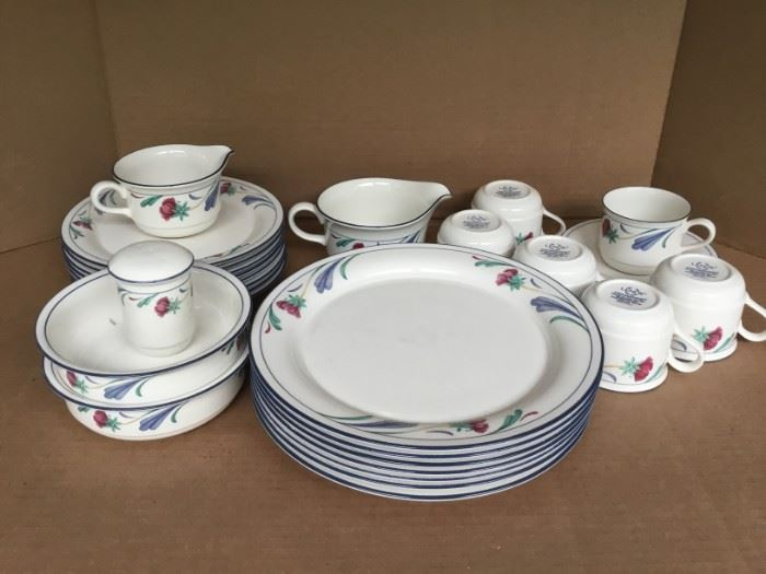"Lenox China Stone ""Poppies on Blue"" Set https://ctbids.com/#!/description/share/53065"