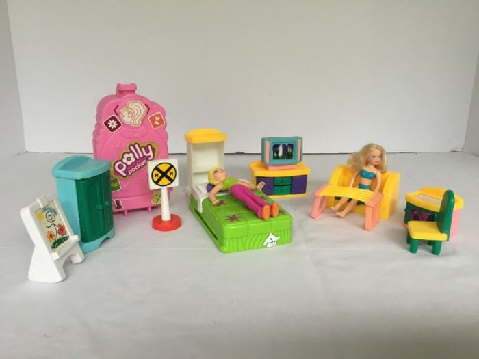 Poly Pockets Dolls and Assorted Items https://ctbids.com/#!/description/share/53069
