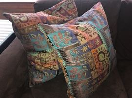 Decorative throw pillows