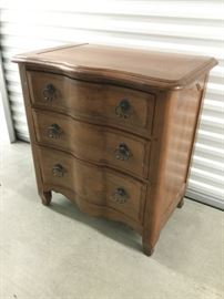 Bassett Serpentine-Style Chest of Drawers http://www.ctonlineauctions.com/detail.asp?id=764743