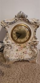 Porcelain clock, electrified